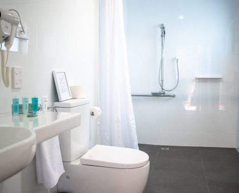 Tamar_House_website small_ensuite_Room 3_1 copy